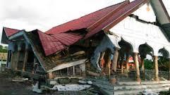 Séisme en Indonésie: un mariage se transforme en enterrement