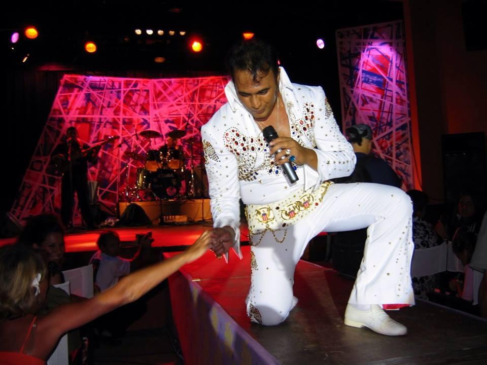"""Fan inconditionnel du """"King"""", Rocky Gobrait est l'un de ses plus grands imitateurs au monde."""