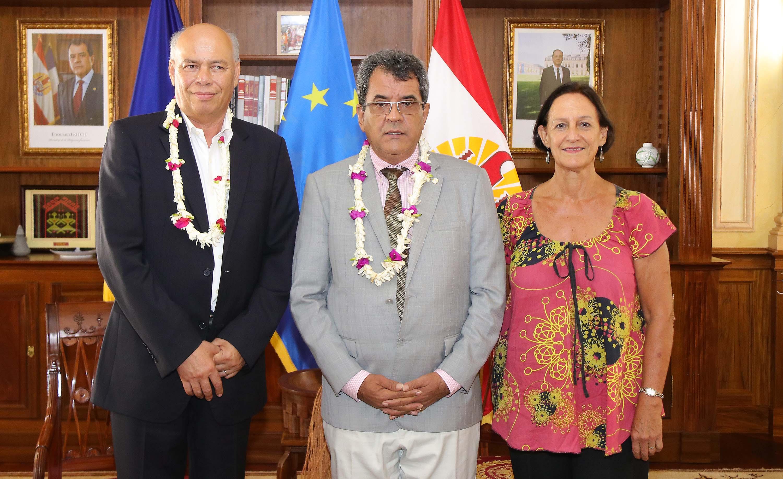 Colin Tukuitonga a été reçu jeudi à la Présidence par Edouard Fritch. L'entretien s'est tenu en présence d'Armelle Merceron, présidente de la commission de la santé à l'assemblée de la Polynésie française.