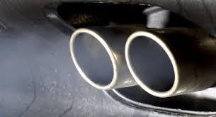 Emissions de particules fines: l'UE impose un filtre pour certains véhicules essence