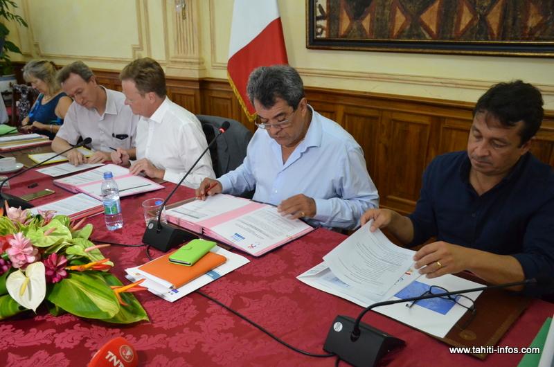 """Etat-Pays : """"Nos services travaillent de façon très fluide"""", se félicite René Bidal"""