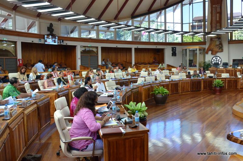 Le projet de Le texte pourrait être à l'ordre du jour de la session extraordinaire de l'assemblée de la Polynésie française, prévue en début d'année.