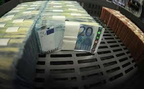 Plusieurs milliers d'euros tombés du camion... des convoyeurs de fonds