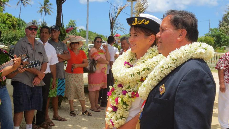Visite du tavana hau Marie Baville à Tubuai