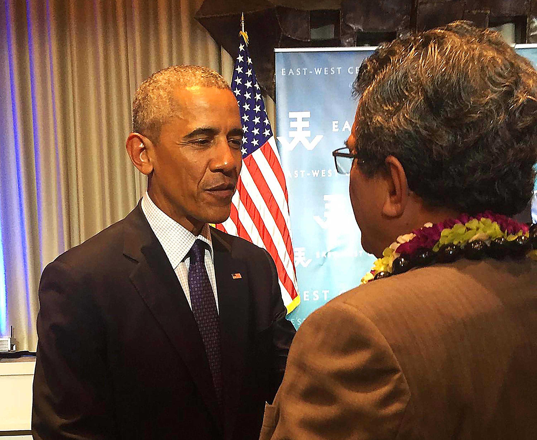 Edouard Fritch rencontre Barack Obama à Hawaii. Dans le cadre de la 10e Conférence des dirigeants des îles du Pacifique, à Hawaii, le président de la Polynésie française, Edouard Fritch, a rencontré fin août le président des Etats-Unis, Barack Obama.