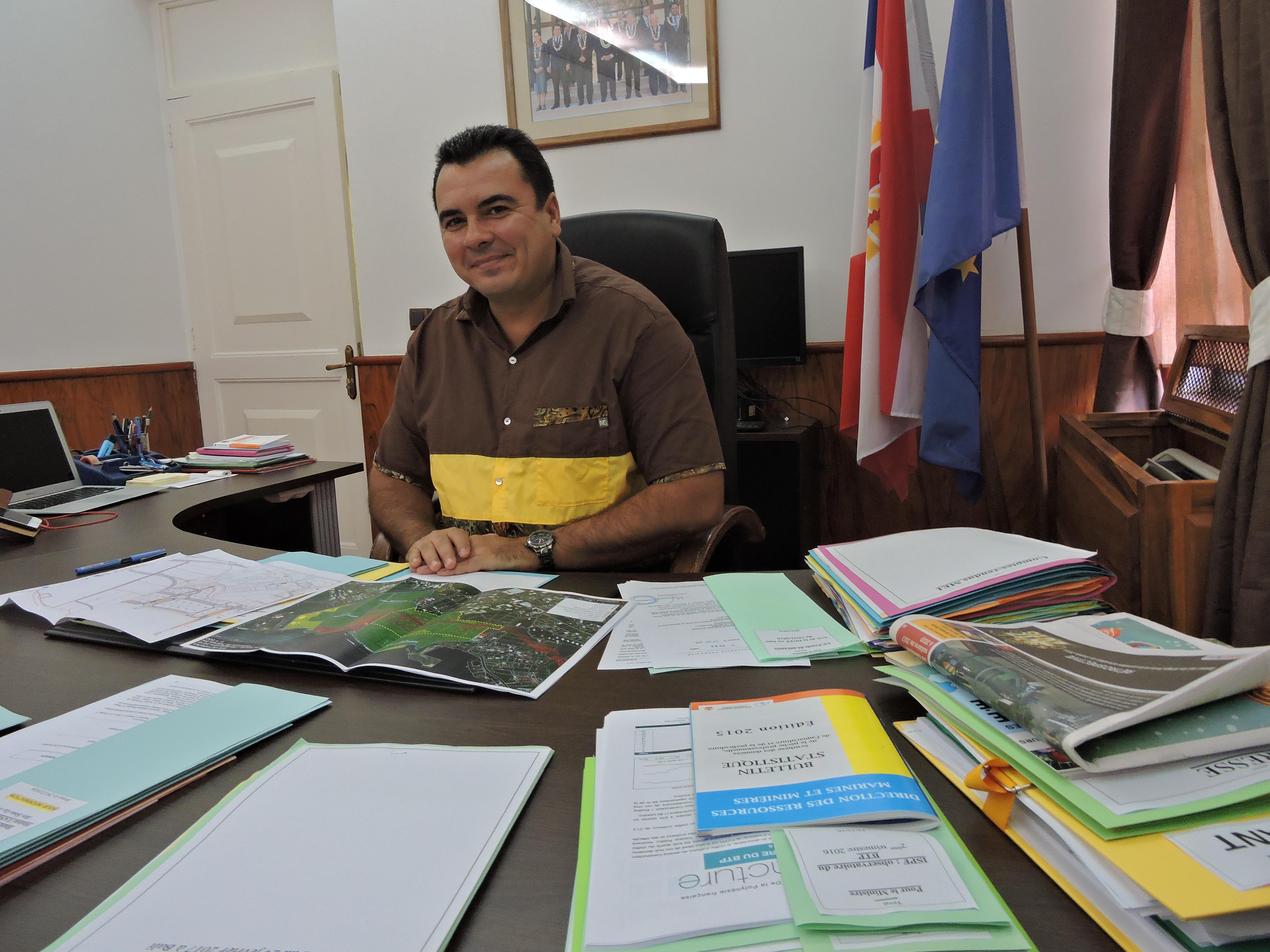 """""""Le monde de l'aquaculture est très petit mais il se réunit rarement. Or je suis sûr qu'il y a une technicité, un esprit commun, des conjonctions d'énergies que l'on pourrait mettre en place"""", souligne Teva Rohfritsch, le ministre de l'Economie bleue, qui souhaite mettre en place cette année la zone bio-marine à Faratea."""