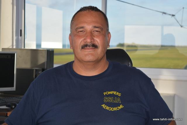 Walter Teinauri est non seulement responsable de l'aérodrome de Tubuai, mais il est aussi sapeur-pompier et afisien.