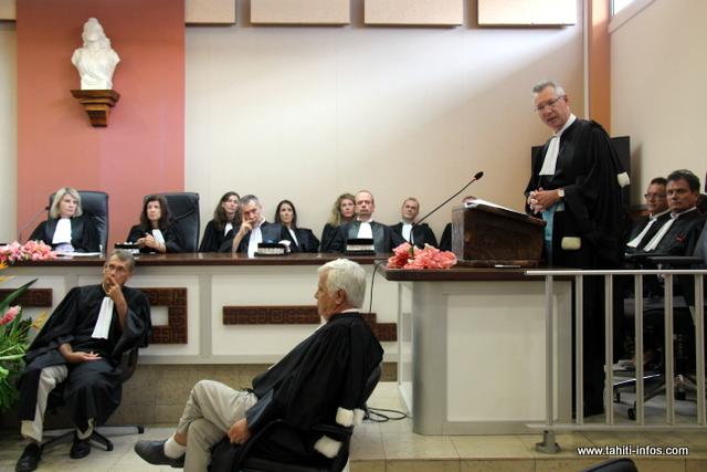 Hervé Leroy (à d.), procureur de la République au tribunal de première instance de Papeete, a détaillé l'activité du parquet.