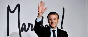 Macron en tête dans l'opinion, percée de Mélenchon, Montebourg et Hamon (sondage)