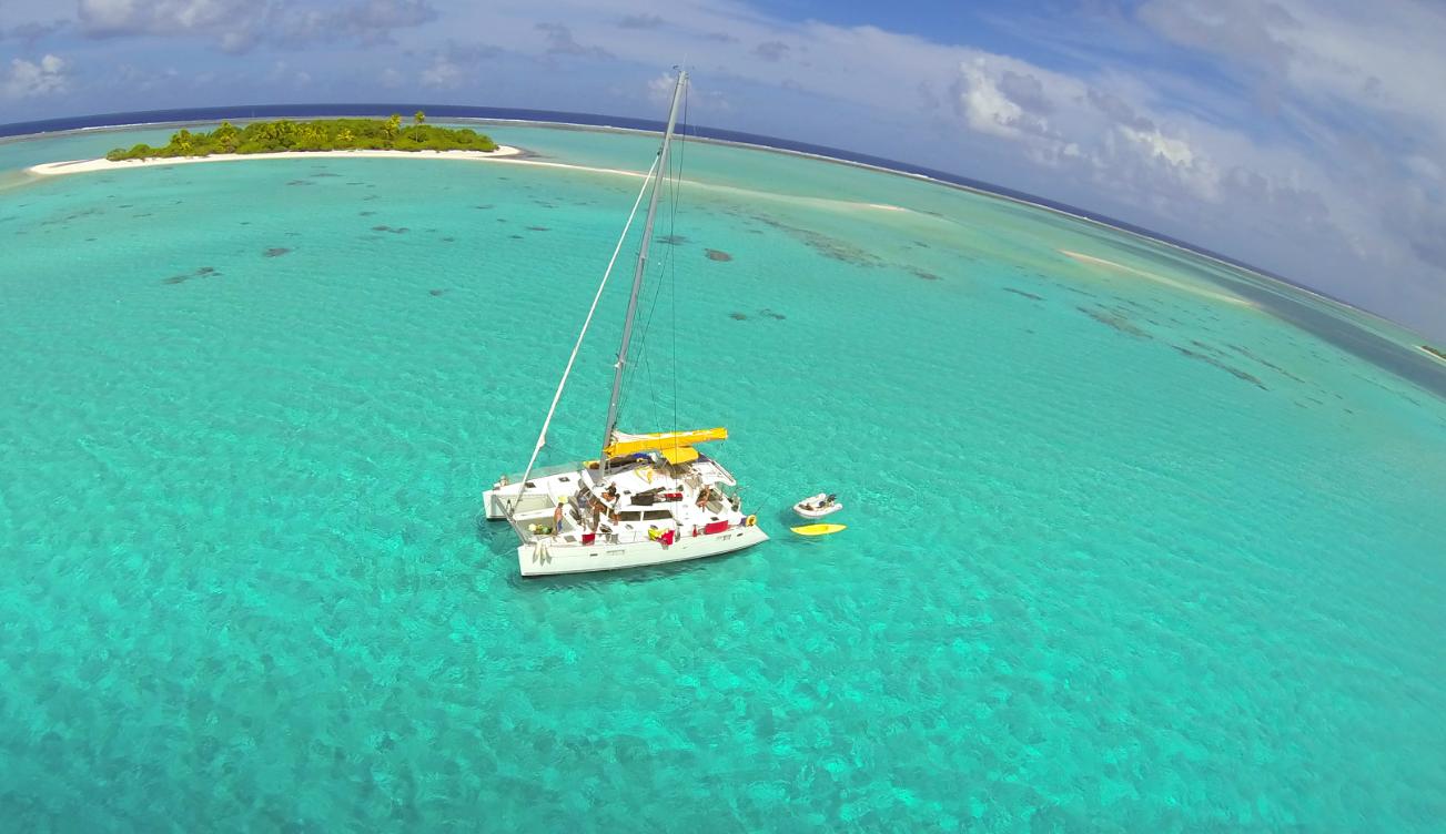 Le catamaran, et l'impression d'avoir toutes les Tuamotu à sa disposition