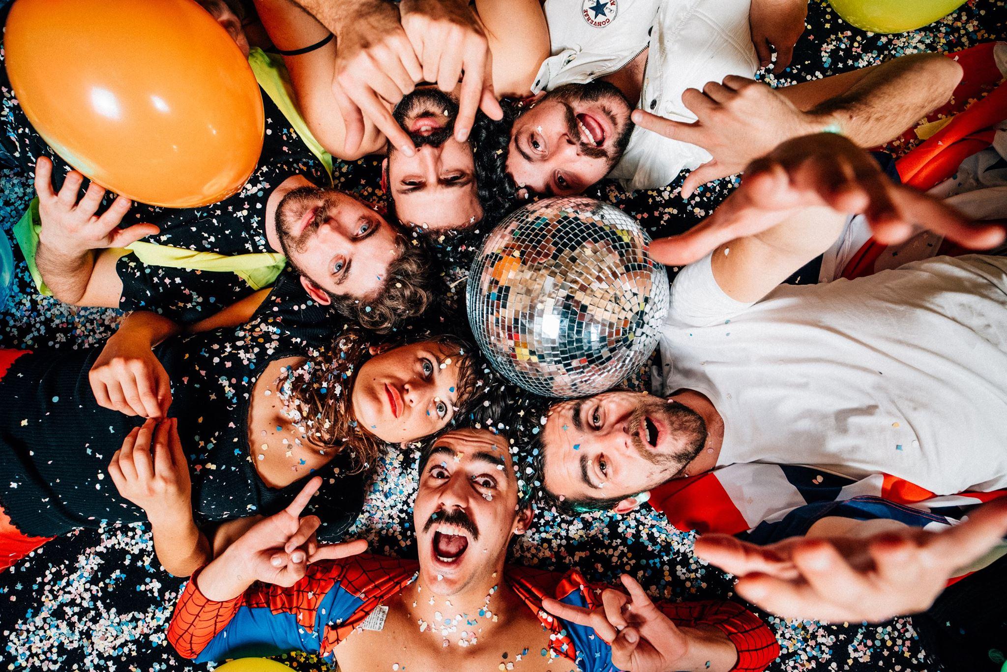 Concerts de Deluxe à Tahiti et Moorea : n'oubliez pas votre moustache !