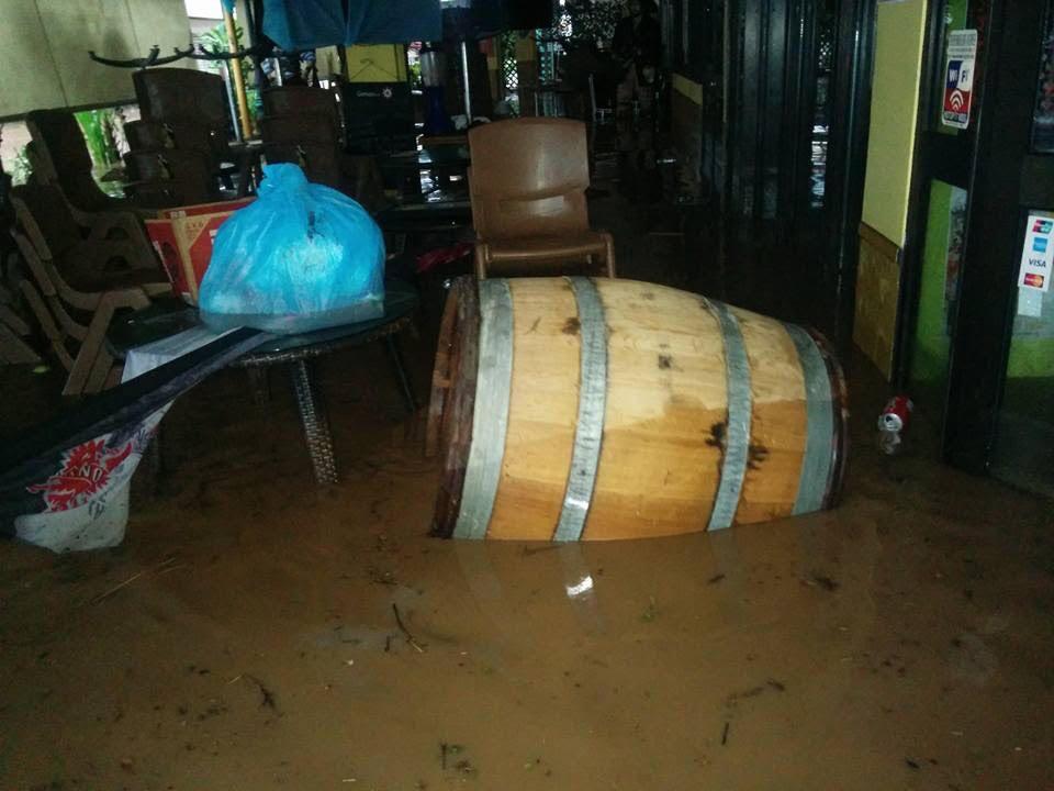 Le Bora Bora Lounge Sous l'eau le dimanche matin