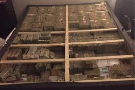 20 millions de dollars sous un matelas près de Boston