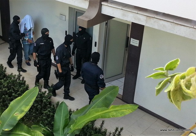 Les trafiquants interpellés au large des Marquises, de nationalité espagnole, ont été conduits cet après-midi au palais de justice sous haute surveillance.