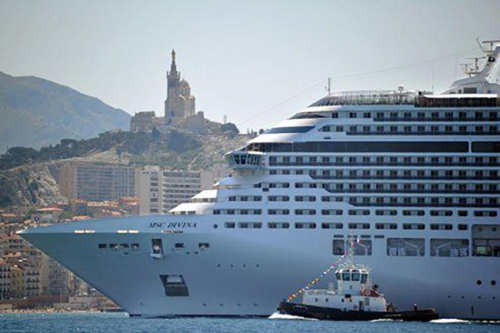 Un branchement électrique pour les ferries mis en service dans le port de Marseille