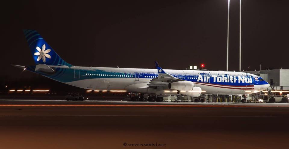 Insolite: un avion ATN couvert de neige à Montréal