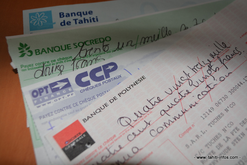 L'interdiction des paiements en espèce de plus de 119 300 Fcfp oblige à utiliser chèques, cartes de paiement et virements. Blanchir de l'argent est de plus en plus difficile, assurent les chefs d'entreprise.