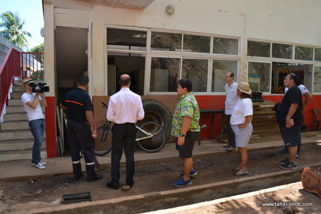 Une salle située à l'arrière de la caserne des pompiers a été bien endommagée.