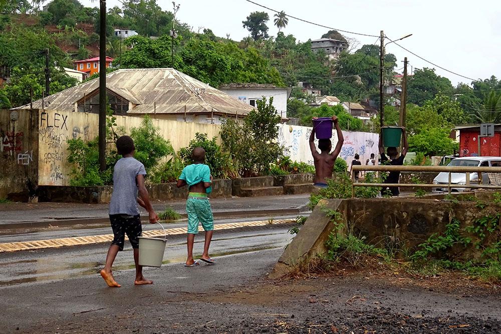 Pénurie d'eau: un demi-million d'euros débloqué pour les écoles de Mayotte