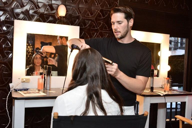 Un tiers des offres de coiffeurs sont à pourvoir en CDI.  Photo : AFP