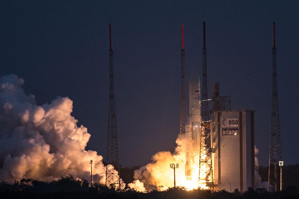 77 ème succès d'affilée pour Ariane 5 avec la mise sur sur orbite deux satellites de télévision