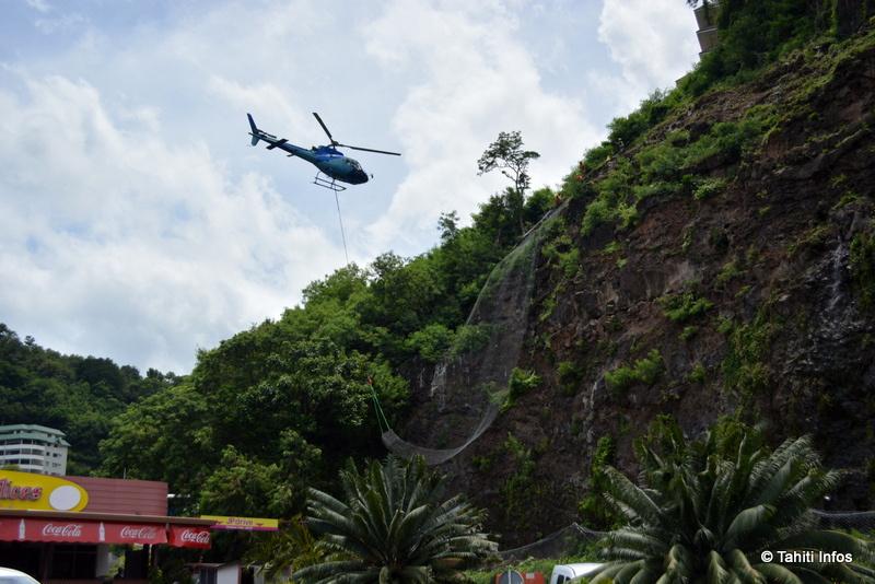 L'hélicoptère a tourné deux fois 45 minutes pour déployer les grillages