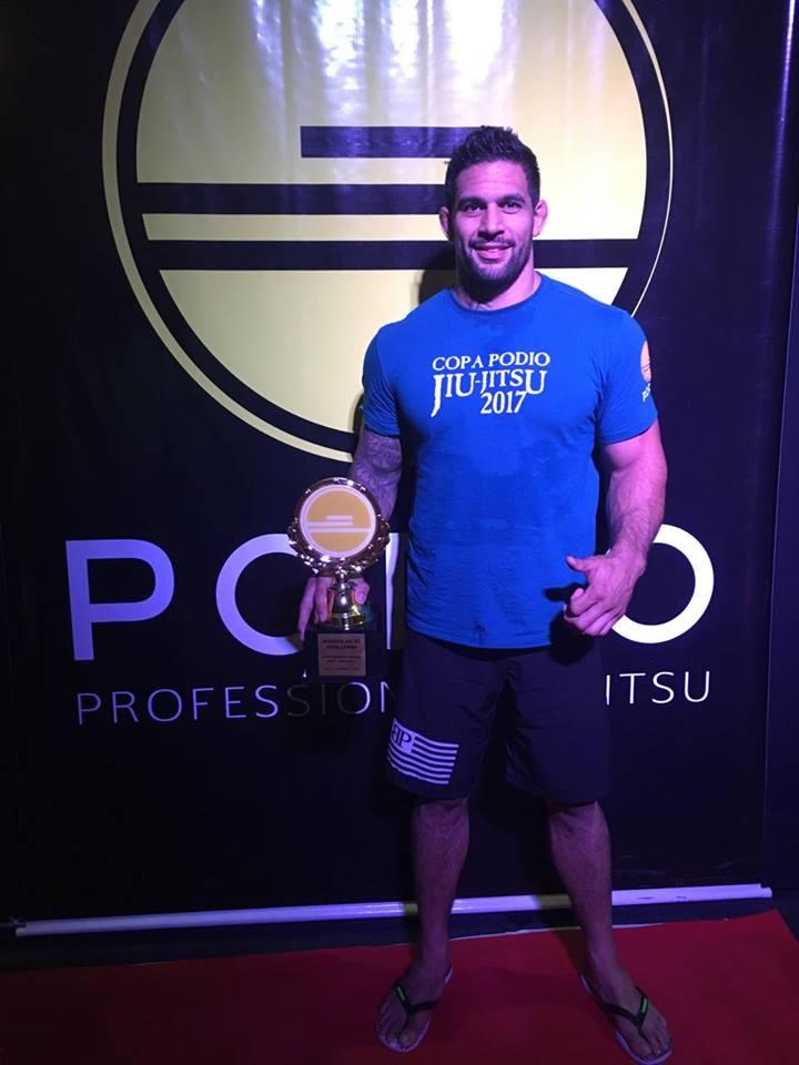 Prochain objectif : Max Montana, le tenant du titre de champion