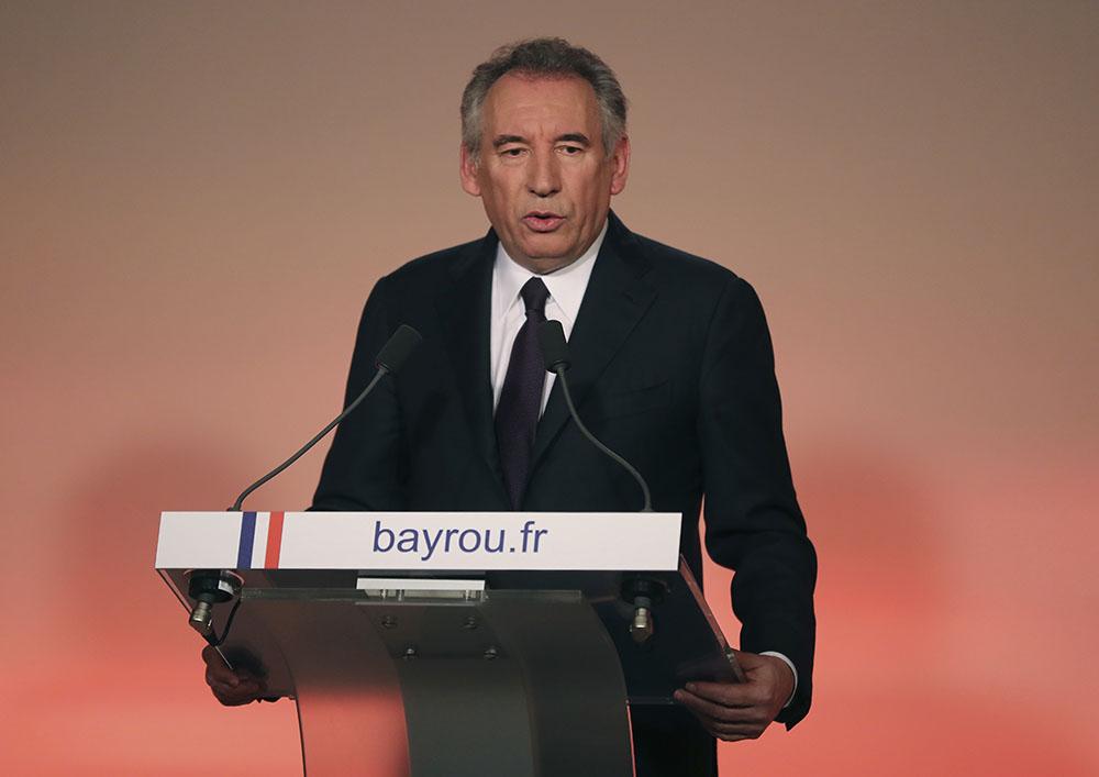 L'attelage Macron-Bayrou en passe de prendre corps