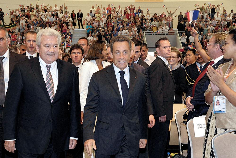 Photo d'archive de Harold Martin (à gauche), en présence de l'ancien président française Nicolas Sarkozy.