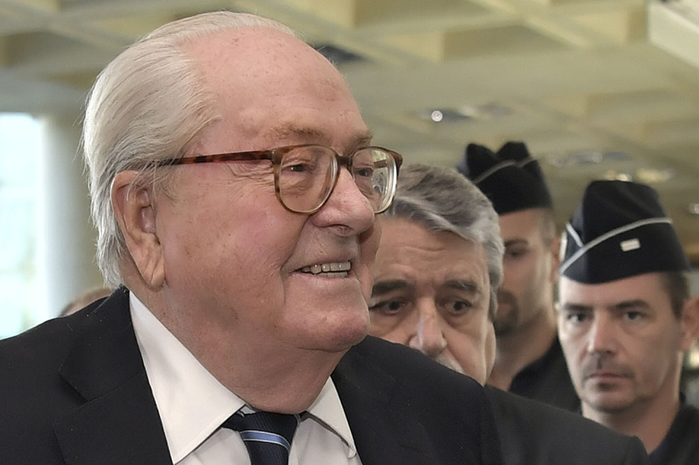 """Chambres à gaz qualifiées de """"détail"""": amende de 30.000 euros confirmée pour Jean-Marie Le Pen"""