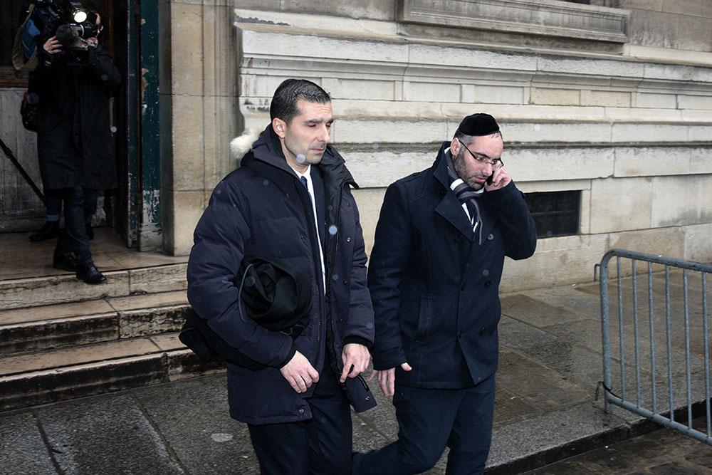 Un adolescent radicalisé jugé pour avoir tenté d'assassiner un enseignant juif