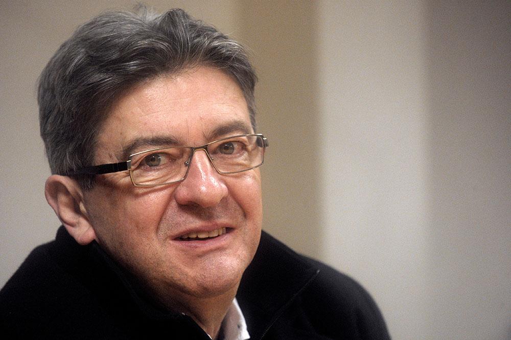 """La France doit assumer """"sa position en mer"""" clame Mélenchon"""
