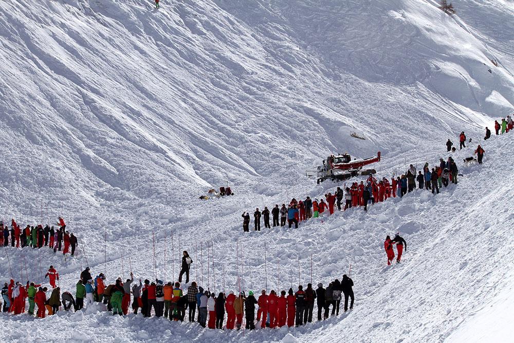 Avalanche dans les Alpes italiennes: au moins 3 morts et plusieurs blessés