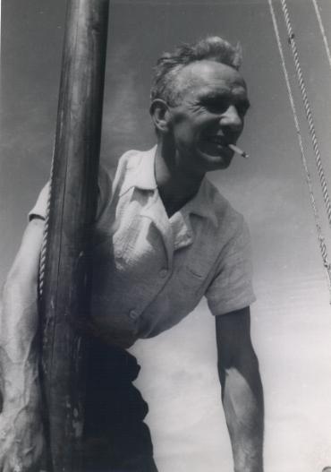 De Bisschop face à la mer, qu'il défia toute sa vie, avec plus ou moins de succès.