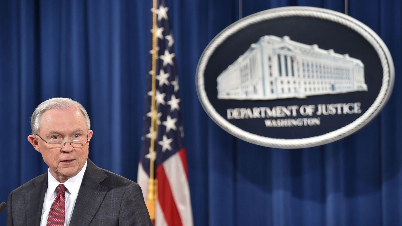 Le ministre américain de la Justice Jeff Sessions, le 2 mars 2017 à Washington  afp.com/Nicholas Kamm