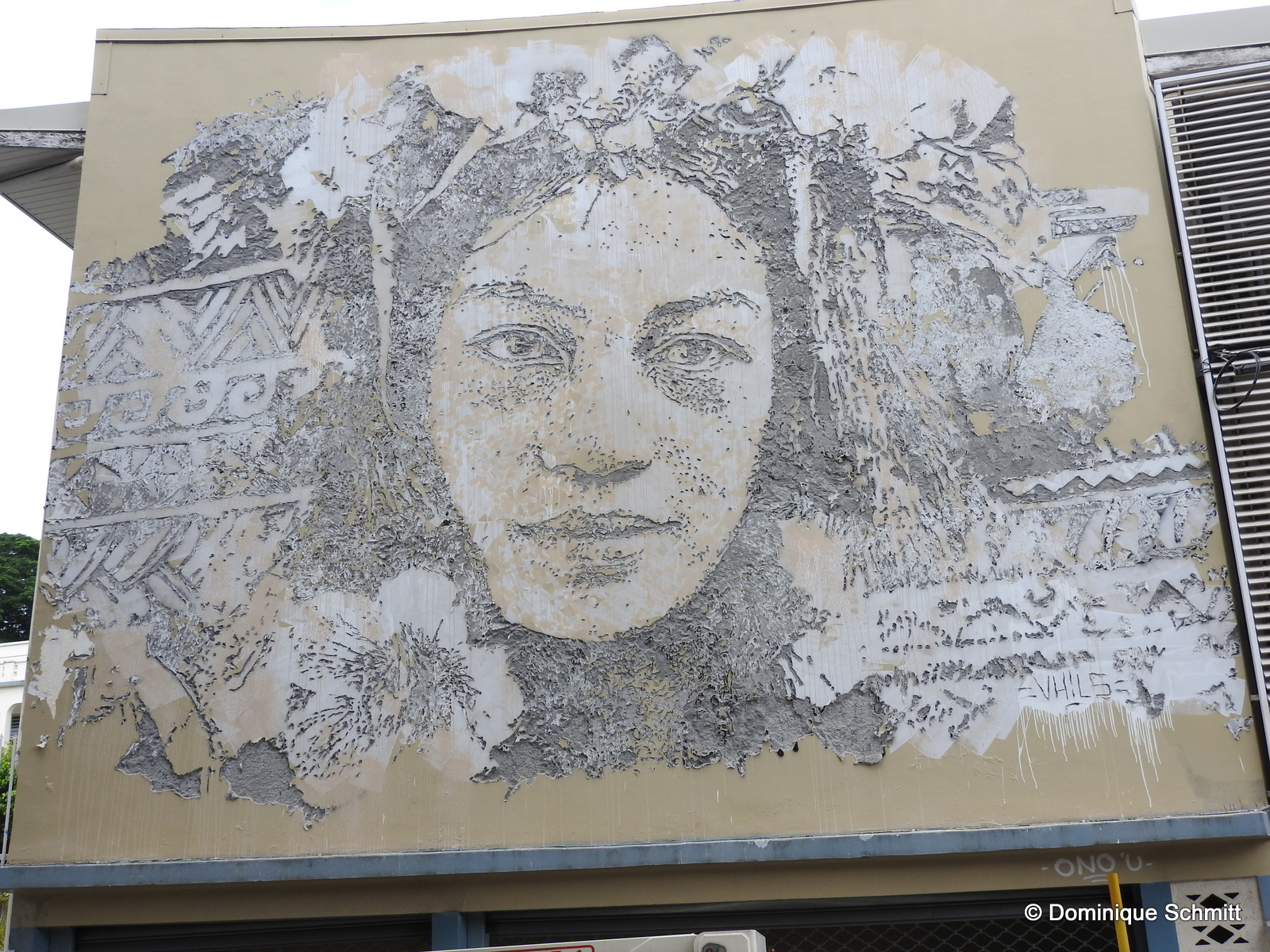 Il n'aura fallu que trois jours à l'artiste portugais pour réaliser ce superbe visage d'une Polynésienne.