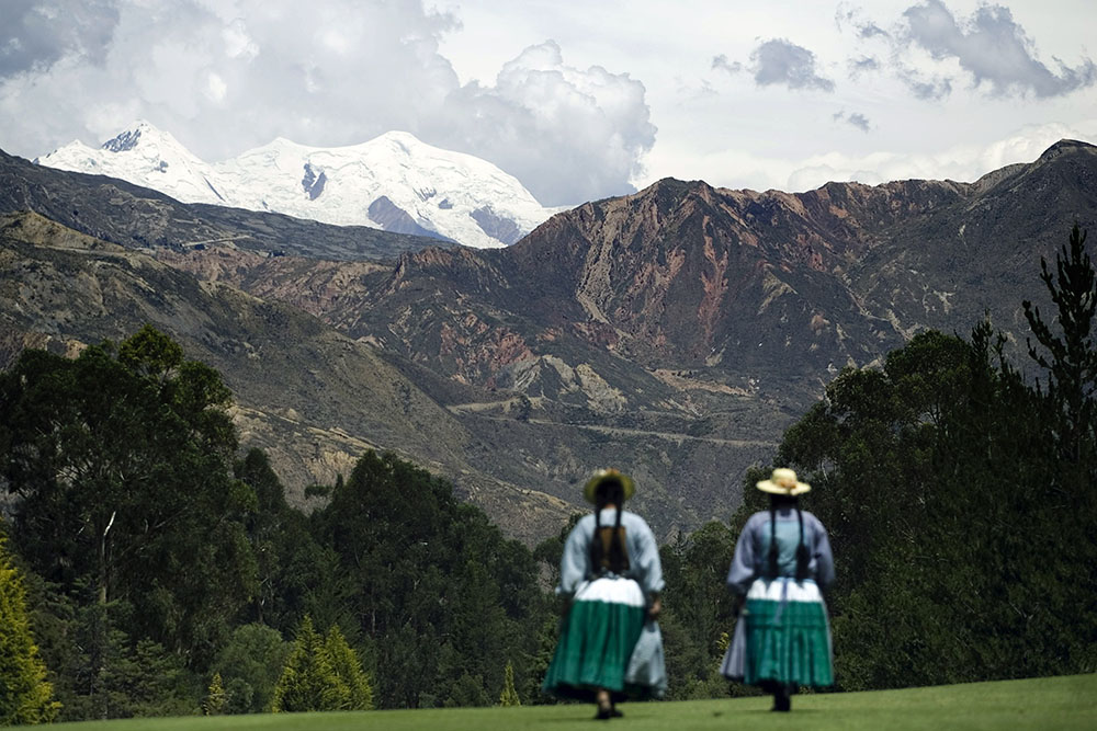 Prochain forage d'un glacier des Andes menacé par le réchauffement climatique