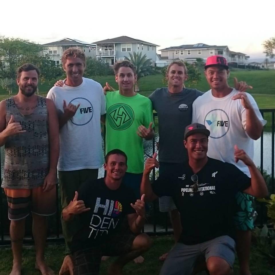 Une partie du clan tahitien avec Jeff Hubbard