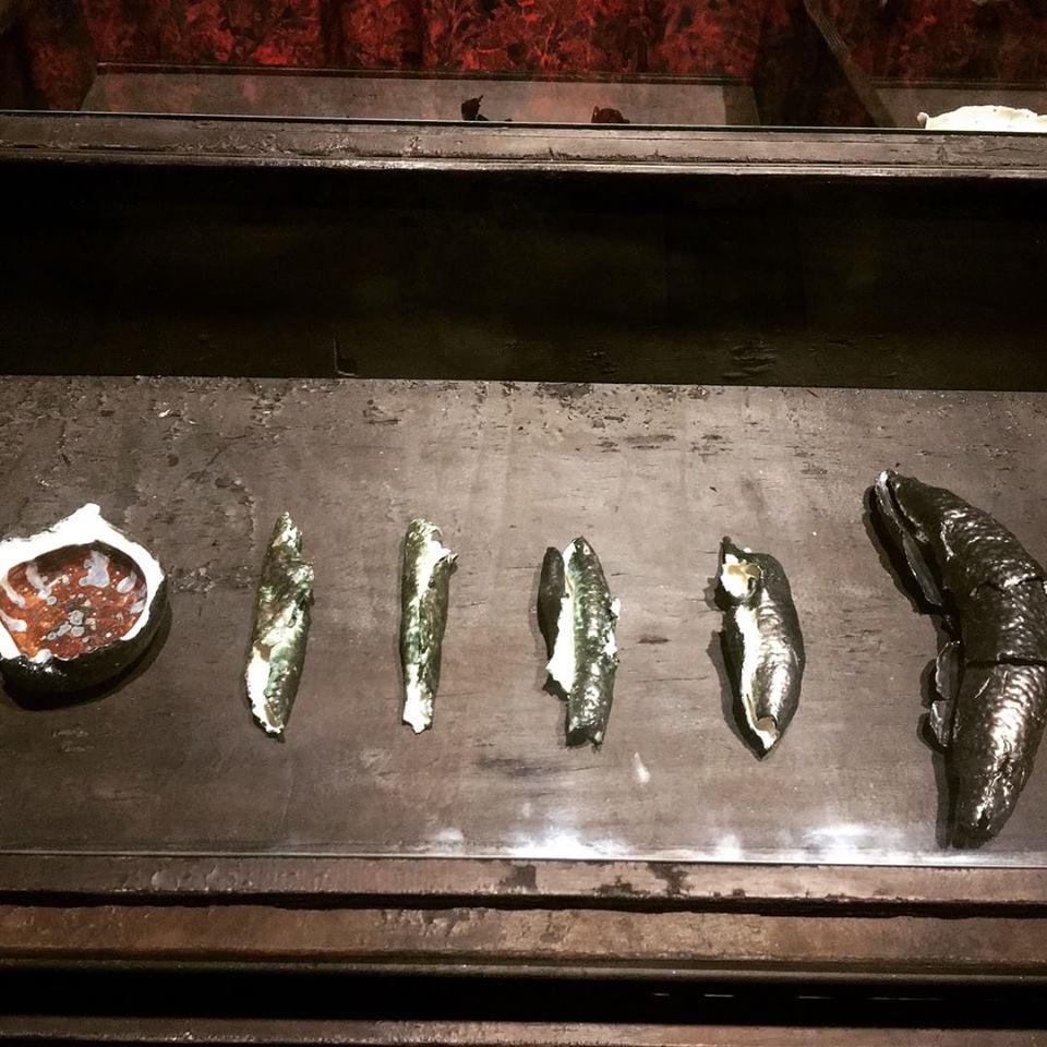 Les céramiques de 'uru sont au cœur de l'œuvre d'Alexander Lee.