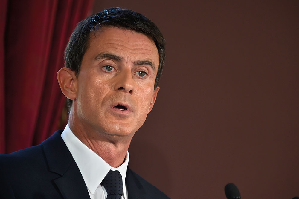Entre Hamon et Macron, Valls souffle le chaud et le froid