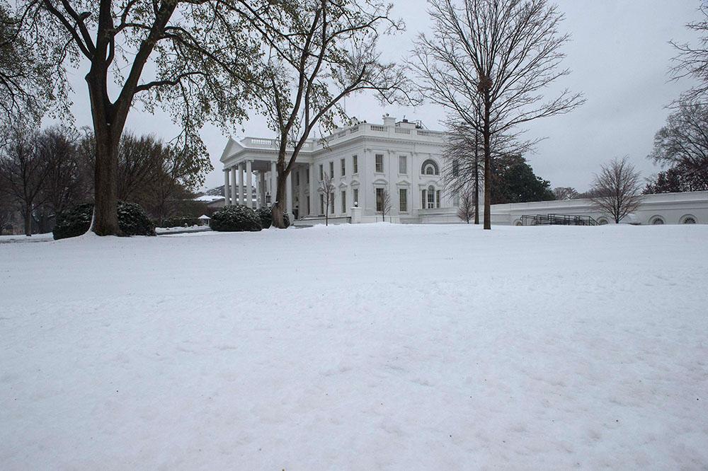 Le nord-est des Etats-Unis sous la neige et les rafales