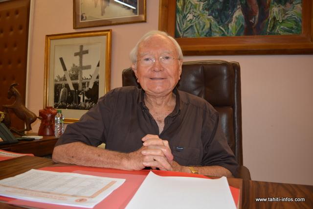 """Présidentielle : """"le grand conseil décidera du candidat que nous soutiendrons"""" annonce Gaston Flosse"""
