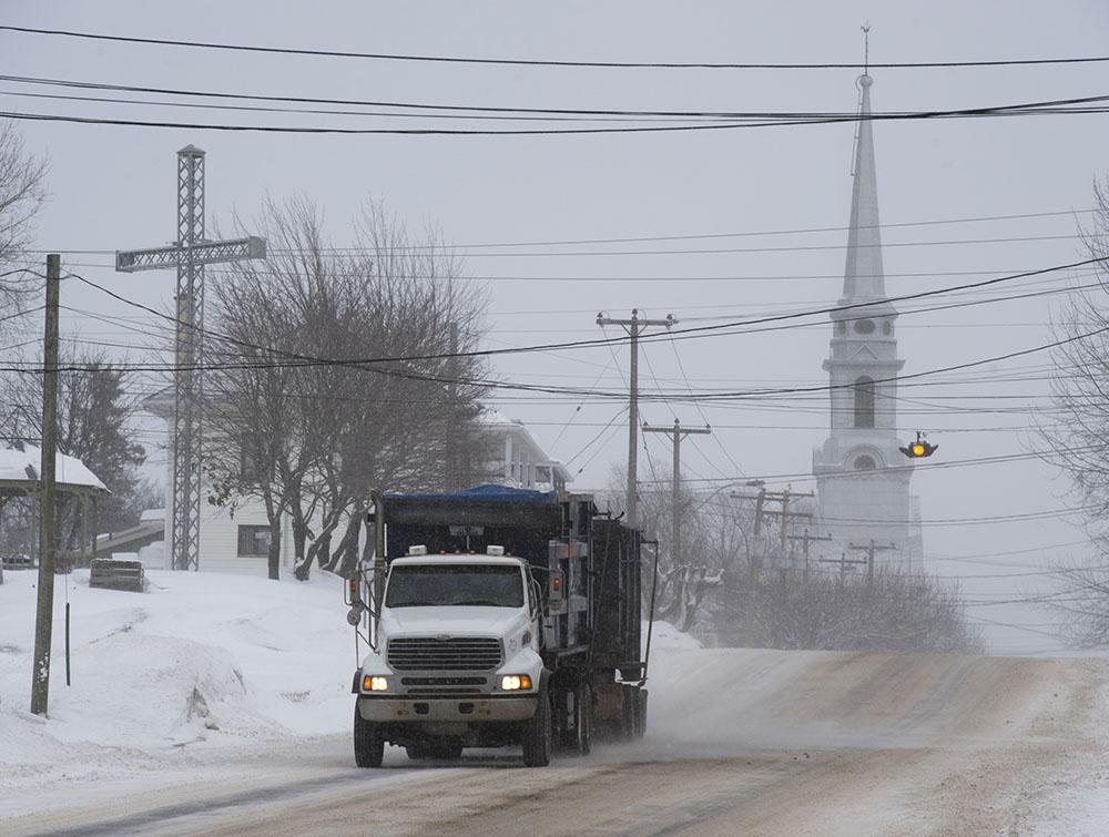 Après les Etats-Unis, la tempête de neige paralyse l'est du Canada