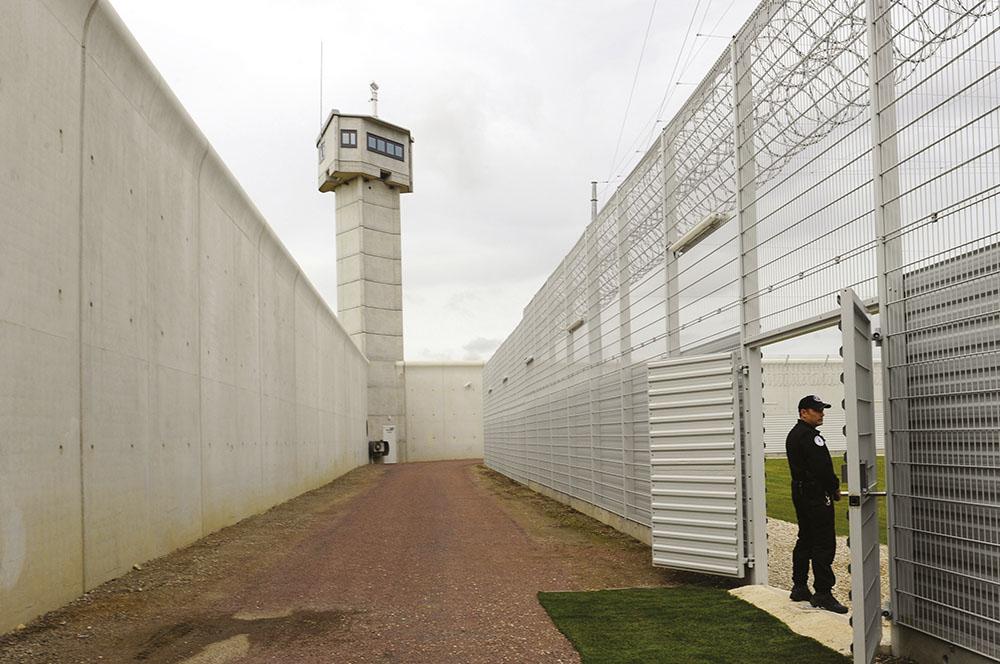 Vote en prison: une association somme l'Etat d'agir