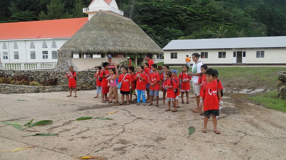Les élèves des écoles de Rapa ont participé au nettoyage du littoral.