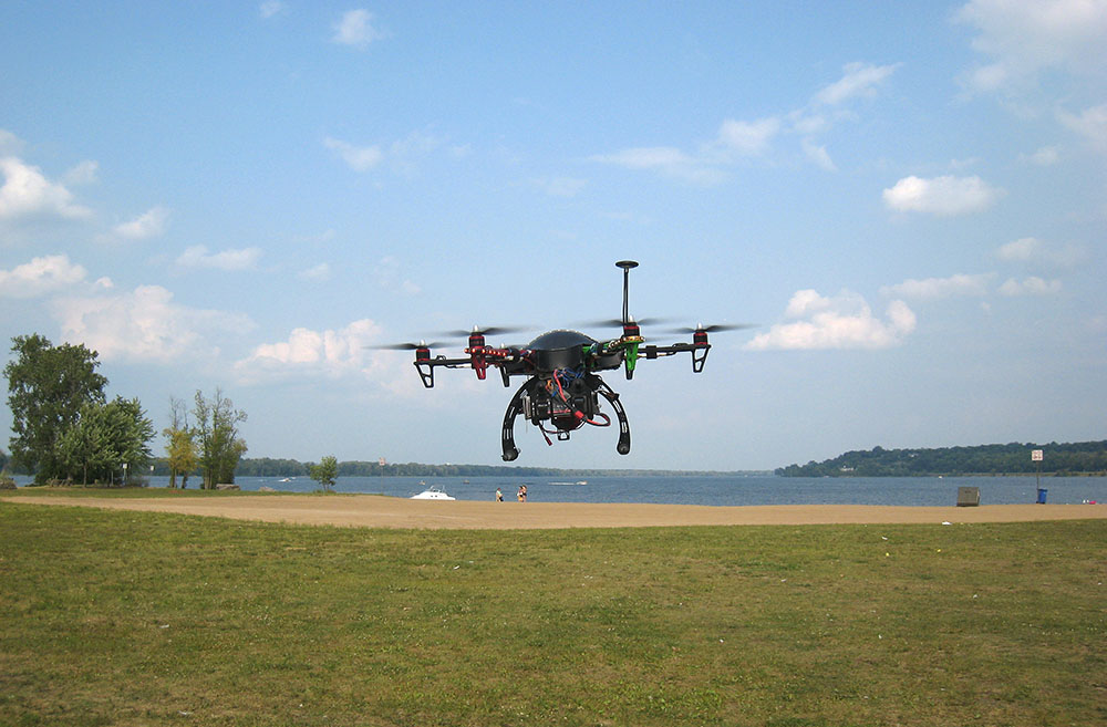 Le Canada prend des mesures contre les drones de loisir
