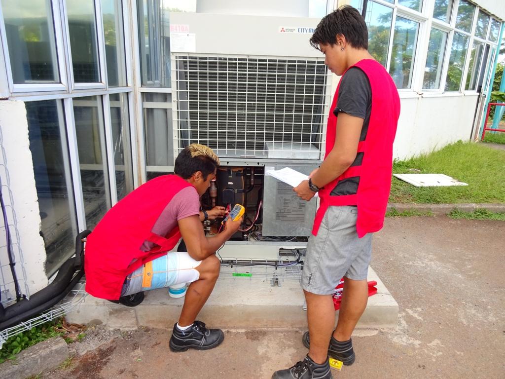 Le bac pro TFCA (Technicien en Froid et Conditionnement d'Air) n'existe qu'à Mahina au fenua.