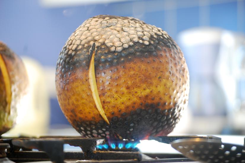 Uru cuit driectement sur le bec de gaz.