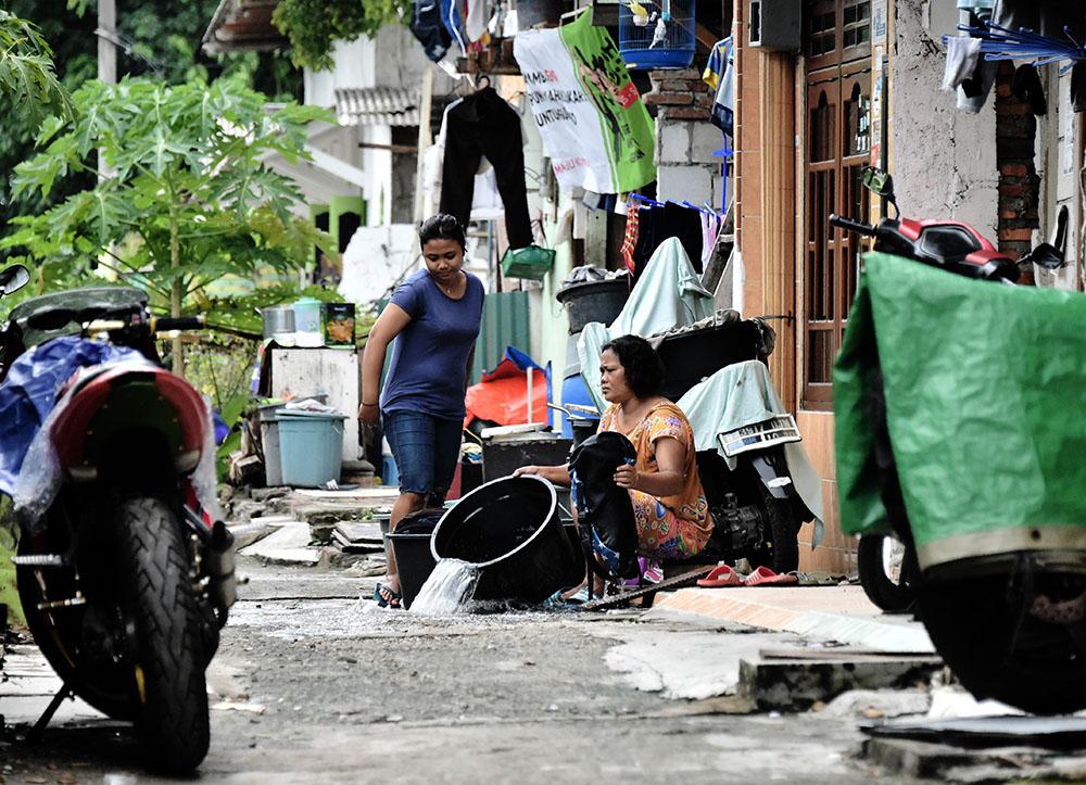 A Jakarta, des pauvres deviennent écolo pour éviter l'expulsion