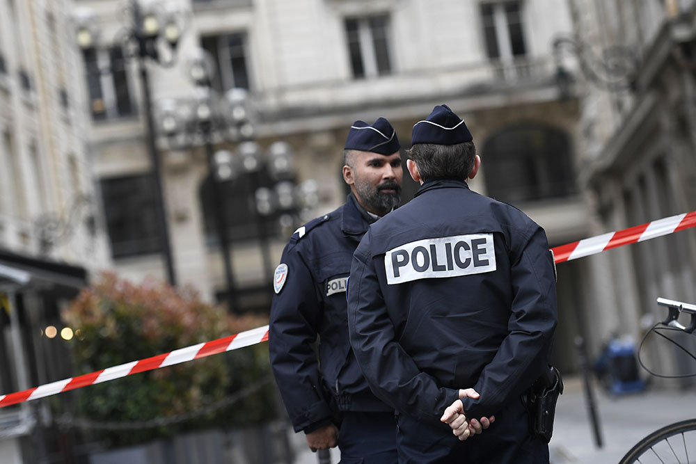 Alerte à la bombe: évacuation du pôle financier du tribunal de Paris
